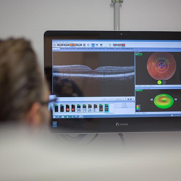 Netzhautscan bei Optik Bartels